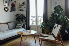 10 Snapshots of Home Life in France (as Told By a Parisian Blogger)