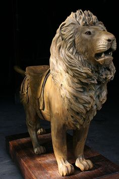Carved carousel lion without part paint