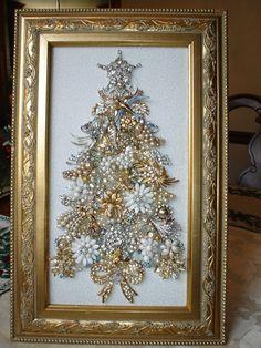 Christmas Tree Costume, Christmas Tree Art, Christmas Jewelry, Vintage Christmas, Christmas Design, Christmas Time, Costume Jewelry Crafts, Vintage Jewelry Crafts, Vintage Jewellery