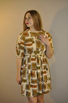 Retro Fashion 50s, Vintage Fashion, Pattern Dress, Dress Patterns, House Dress, Try On, Coat Dress, Coat Of Arms, Cotton Dresses