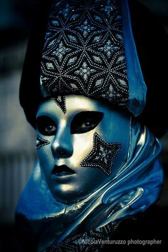 Carnevale Venezia 2014-50 (Copia) | Flickr - Photo Sharing! #masks #venetianmasks #masquerade http://www.pinterest.com/TheHitman14/art-venetian-masks-%2B/