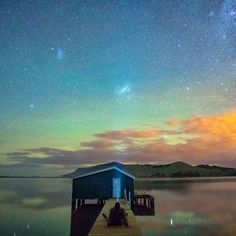 This is #WildDunedin this is adventure this is living. Recently I spent a weekend in @dunedinnz for the #WildDunedinFestival and had a blast. The cherry on top was this little gem getting to spend hours and hours under the stars enjoying the Aurora Australis. It was a special few hours having this place to myself after the initial spikes and everyone went home. Granted I didn't get to bed till 5.45 but it was time well invested. I urge you all to take a moment to step away from the camera…