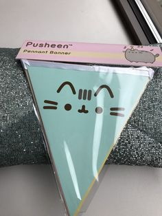 PUSHEEN PENNANT BANNER NEW Exclusive Pusheen Box Spring 2017