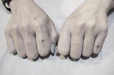 Knuckle tats by Tapz