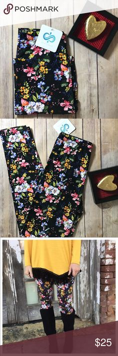 🆕✨💕Buttery Soft Floral Leggings✨💕 ✨Soft brushed Floral knit leggings. 92% polyester 8% spandex. One size will fit sizes 2-10. ✨Buttery Soft✨Made in China✨ Infinity Raine Pants Leggings