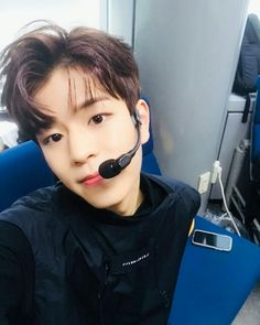 #Seungmin #StrayKids Lee Min Ho, Stray Kids Seungmin, Bias Kpop, Rap Lines, Sweet Guys, Kid Memes, Lee Know, Kpop Boy, Minho