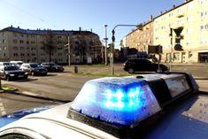 LG Bonn -Az.: 1 O 92/18 -Urteil vom 14.11.2018 1. Die Klage wird abgewiesen. 2. Die Kosten des Rechtsstreits tragen der Kläger zu 76 Prozent und die Beklagte zu 24 Prozent. 3. [...] #Rechtsanwalt #Anwalt #Fachanwalt #Kanzlei #Rechtsanwaltskanzlei #Recht #Urteile #Urteil #Siegen #Kreuztal #Olpe #Verkehrsunfall #polizei #blaulicht #martinshorn (Symbolfoto: Von SannePhoto /Shutterstock com)