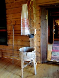 Mamman maailma: Kuvapäiväkirjaa kesämatkalta v. Folk Embroidery, Country Estate, My Heritage, Scandinavian Design, Finland, Ladder Decor, Home Goods, Sweet Home