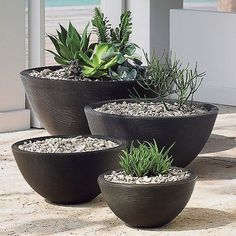 Crescent Garden 26 Mocha Outdoor Delano Planter at Lumens.com