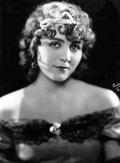 "Gladys Walton (1903 - 1993) Once called the darling of the five-reelers, Miss Walton made 38 silent films for Universal Studios between 1919 and 1925, including ""Second-hand Rose,"" ""Rich Girl Poor Girl,"" ""Pink Tights,"" ""Risky Business"" and ""Playing With Fire."" But after appearing in ""The Sky Raider"" and ""Little Girl in a Big City"" in 1925, Miss Walton gave up films to get married & raise a family. Silent Screen Stars, Silent Film Stars, Movie Stars, Pink Tights, Starred Up, Old Hollywood Glamour, Classic Hollywood, Pre Code, Western Movies"