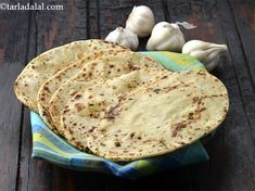 Butter Garlic Naan, Tava Garlic Butter Naan recipe, Punjabi Recipes Garlic Naan, Garlic Butter, Punjabi Food, Punjabi Recipes, Butter Naan Recipe, Indian Bread Recipes, Turmeric Supplement, Vegetarian, Homemade