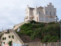A manor that overlooks the Atlantic. Foz do Arelho Beach, Portugal.