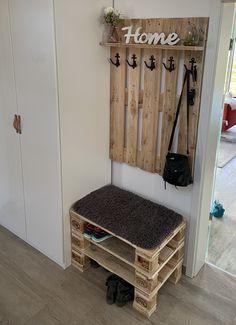 Diy Pallet Bed, Pallet Ideas Easy, Pallet House, Pallet Furniture Designs, Wooden Pallet Furniture, Diy Pallet Furniture, Pvc Backdrop Stand, Wall Hat Racks, Barn Board Projects