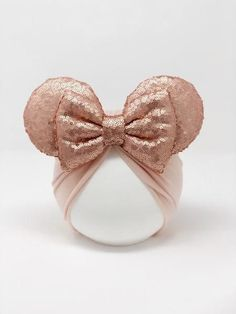 Rose gold minnie ears and bow with pale pink turban sizing newborn best fit for ages 0 3 months infant best fit for ages to toddle best fit for ages to child best fit for ages to teen adult best fit for ages to a Diy Disney Ears, Disney Mickey Ears, Disney Diy, Rose Gold Minnie Ears, Baby Girl Hair Accessories, Baby Turban, Ear Headbands, Diy Headband, Baby Bows