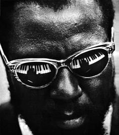 Jazz musician Thelonious Monk behind the keys of a piano. Widely regarded as one of the greatest jazz musicians ever his style and natural talent helped form what we know as modern jazz. Jazz Artists, Jazz Musicians, Music Icon, My Music, Music Life, Reggae Music, Music Notes, Jimi Hendricks, Photo Star