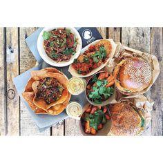 ::. Lunch Time chez @animal.kitchen avec @megandcook Au menu burger au cochon noir frites de patates douces croquette de chèvre guacamole et meat balls  .:: by plus_une_miette instagramers I like