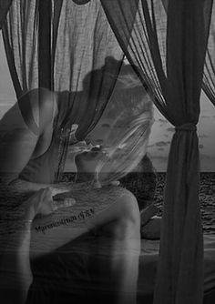 """Tu sei tutto … sei un profumo che avverto nell'aria, sei brivido nel cuore, un pensiero che corre nel sangue. Si …Tu sei, sei raggio di luce che abbaglia, lama sottile che taglia, una visione in tutti i miei """"non so"""". Si …Tu, Tu che hai visto l'inferno nei miei occhi, ma nei miei occhi ti sei riflessa senza esitare, si …proprio Tu, canta la nostra canzone, cantala per Noi … ho invitato le stelle.  Stefano Ariel Dainelli"""