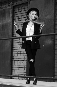 Maja Sablewska ponownie reklamuje buty!