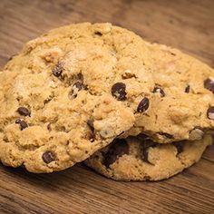 Low Carbelicious - Koekjes met chocoladestukjes - Koekjes Low Carb Recipes, Healthy Recipes, Healthy Food, Homemade Oatmeal, Cranberry Cookies, Raisin, Baked Goods, Peanut Butter, Baking