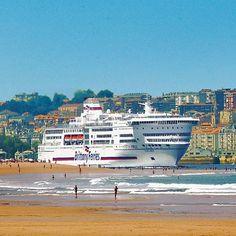 Brittany Ferries navegando por la bahía de #Santander