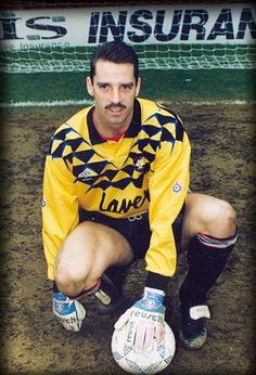 20 years since Mel Rees died today. Sheffield United Fc, Bramall Lane, Goalkeeper, Pinterest Marketing, Football Players, Kids And Parenting, 20 Years, Social Media Marketing, Sticks