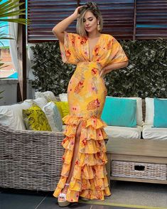 Latest African Fashion Dresses, African Dresses For Women, African Print Fashion, African Attire, Classy Dress, Classy Outfits, Designer Dresses, Casual Dresses, New Fashion