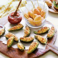 Jalapeno poppers and mini corn dogs http://thedailysouth.southernliving.com/2012/08/29/lets-get-ready-to-tailgate/