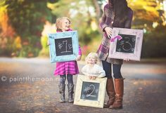 expecting baby announcement ideas | Cute idea with siblings and chalkboard frames.