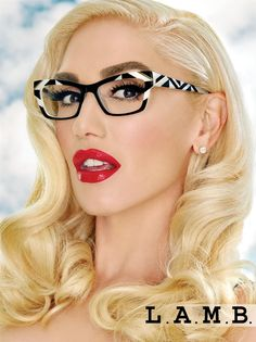 Perfect Gwen Stefani rocks L. glasses – Fashion Trends To Try In 2019 Round Lens Sunglasses, Cute Sunglasses, Sunglasses Women, Vintage Sunglasses, Sunnies, Gwen Stefani Mode, Gwen Stefani Style, Gwen Stefani Makeup, Lamb Gwen Stefani