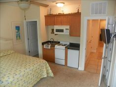 """Mother-in-law"" suite with kitchenette"