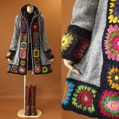 【爆買いセール】♯商品説明♯ 10*25〓〓〓〓〓〓〓〓お花のモチーフがデザインされた可愛いニット編みコート♪自然なAラインが綺麗スタイル♪/フロントからフードにかけてお花のモチーフがデザインされた可愛いデザインコート♪暖かいパーカーデザイン♪/ハンドメイドデザインでおしゃれに着れちゃうニット編みコートです*お花モチーフ部分はハンドメイドの為お色はランダムになります*フロントはファスナーデザインになります*かぎ編み部分のお色について*こちらは1枚1枚手作りしております関係でかぎ編みのお色は1枚1枚違うお色になりますご理解の上ご購入をお願い致します〓〓〓〓〓〓〓〓◆素材◆表地ウール100%/裏地フリース生地の裏地になります◆サイズ表示◆M〜Lサイズ/フリーサイズ/バスト79〜98cm◆実寸◆バスト112cm/肩幅43cm/袖丈61cm/着丈84cm◆カラー◆グレー〓〓〓〓〓〓〓〓