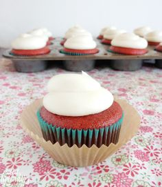 Sweet Lavender Bake Shoppe: red velvet cupcakes with cream cheese frosting...