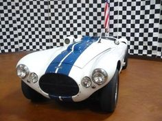 Jay Leno's Garage pics) Classic Sports Cars, Classic Cars, Toy Garage, Carroll Shelby, Henry Ford, Cool Cars, Race Cars, Jay, Bike