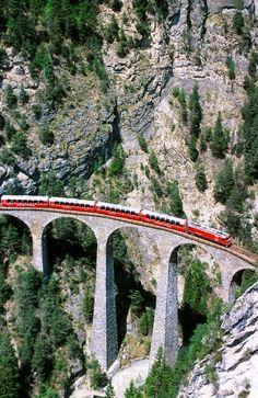 Glacier-Express-between-Zermatt-and-St-Moritz-Switzerland