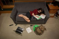 Want to Ace That Test? Get the Right Kind of Sleep - NYTimes.com Study Skills, Study Tips, Study Hacks, Learning Skills, Start High School, School Tips, College Life Hacks, Sleep Studies, Leader In Me