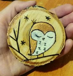 The Effective Pictures We Offer You About Diy Wood Ornaments snowman A quality picture can tell you Wood Slice Crafts, Wood Burning Crafts, Wood Burning Patterns, Wood Burning Art, Wooden Ornaments, Xmas Ornaments, Christmas Decorations, Christmas Wood, Christmas Projects