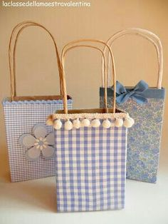 como hacer bolsas de regalo con materiales reciclables paso a Paper Gift Bags, Paper Gifts, Craft Gifts, Diy Gifts, Handmade Gifts, Gift Wrapping Tutorial, Decorated Gift Bags, Gift Wraping, Creative Gift Wrapping