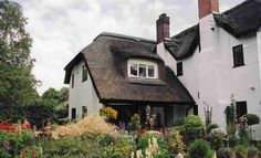 Pure magic. What a superb example of a cottage extension. Sometimes the hardest thing to do is to keep it simple...