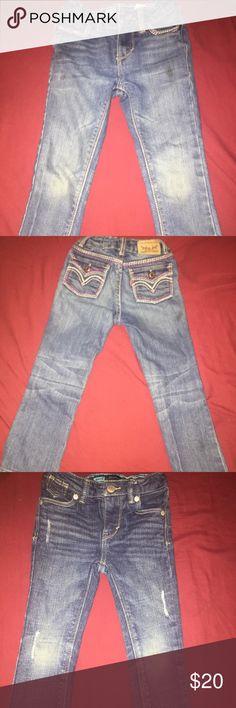 Levi jeans girls bundle. 💙💙 Excellent condition levi jeans 👖. 2 pairs. Normal wear in the knees. Levi's Bottoms Jeans