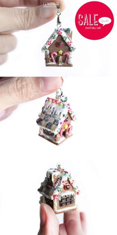 For my sweet tooth lovers! Miniature gingerbread house pendant with a burst of christmas candies! Pendentif maison pain d'épices #GingerbreadHouse #ChristmasSale #HolidaySale