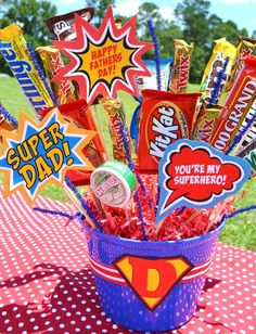 SUPER DAD Candy Bar Bouquet I made using Love Party Printables from catchmyparty.com.
