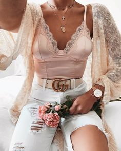 pink top with white denim outfit Mode Outfits, Girly Outfits, Cute Casual Outfits, Chic Outfits, Fall Outfits, Fashion Outfits, Womens Fashion, Pink Top Outfit, Jeans Fashion
