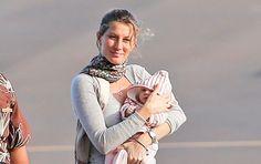 Gisele Bündchen mostra o rostinho da filha pela primeira vez