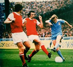 Man City 2 Arsenal 1 in October 1977 at Maine Road. Peter Barnes shoots for goal with John Matthews closing in Arsenal Match, Arsenal Fc, Arsenal Football, Peter Barnes, Manchester City, Challenges, Running, Maine, Sports