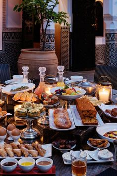 The By The Mamounia - The Dar Khmissa Riad and the Lovers of Marrakech and Morocco Iftar, Moroccan Breakfast, Breakfast In Bed, Eid Breakfast, Breakfast Buffet, Brunch Recipes, Breakfast Recipes, Plats Ramadan, Morrocan Food