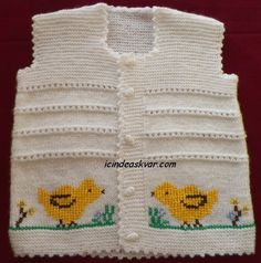 This post was discovered by El Baby Knitting Patterns, Baby Sweater Knitting Pattern, Knit Baby Sweaters, Knitting Designs, Baby Vest, Baby Boy, Christmas Look, Little Ones, Crochet Hats