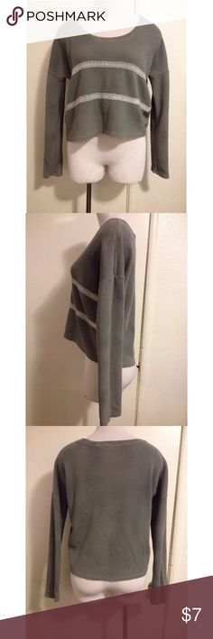 Gray Thermal Shirt Medium Previously Owned. In Good Condition. Size: Medium Tops Tees - Long Sleeve