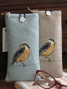 Items similar to Little Blue Tit - Glasses Case on Etsy Sewing Art, Sewing Crafts, Sewing Projects, Free Motion Embroidery, Free Machine Embroidery, Applique Patterns, Applique Designs, Diy Tie Dye Techniques, Drawstring Bag Diy