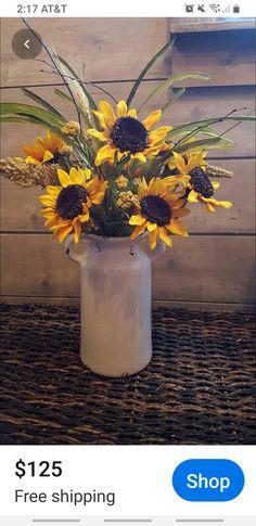 Sunflower Floral Arrangements, Sunflower Centerpieces, Fall Arrangements, Floral Centerpieces, Sunflower Vase, Table Centerpieces, Farmhouse Vases, Rustic Farmhouse, Sunflower Home Decor