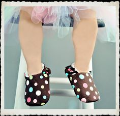 By www.momsblankies.etsy.com  Soft slipper shoes for baby and toddler